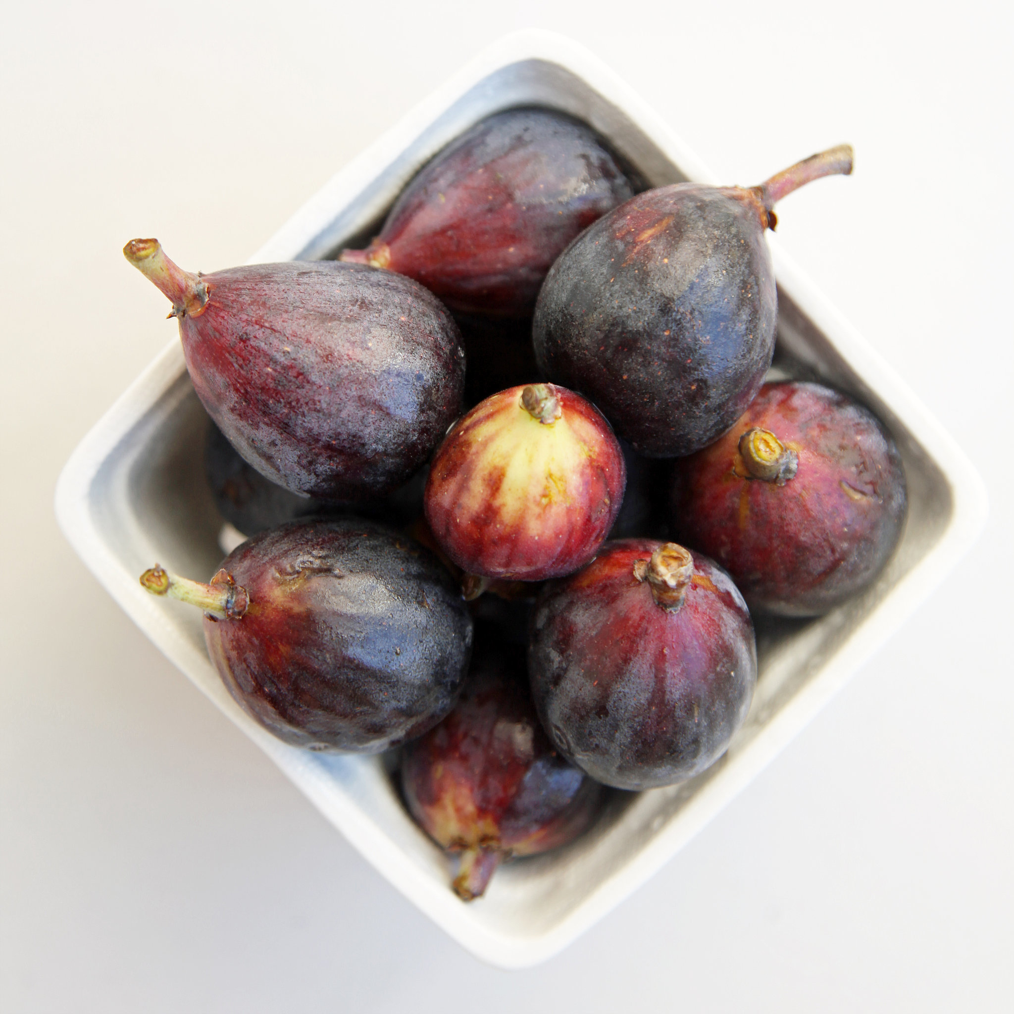 easy roasted fig and goat cheese recipe popsugar food