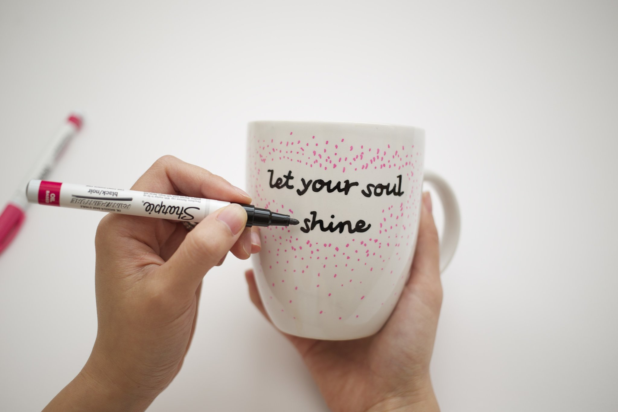 Diy quote stenciled sharpie mugs popsugar smart living step 6 solutioingenieria Image collections