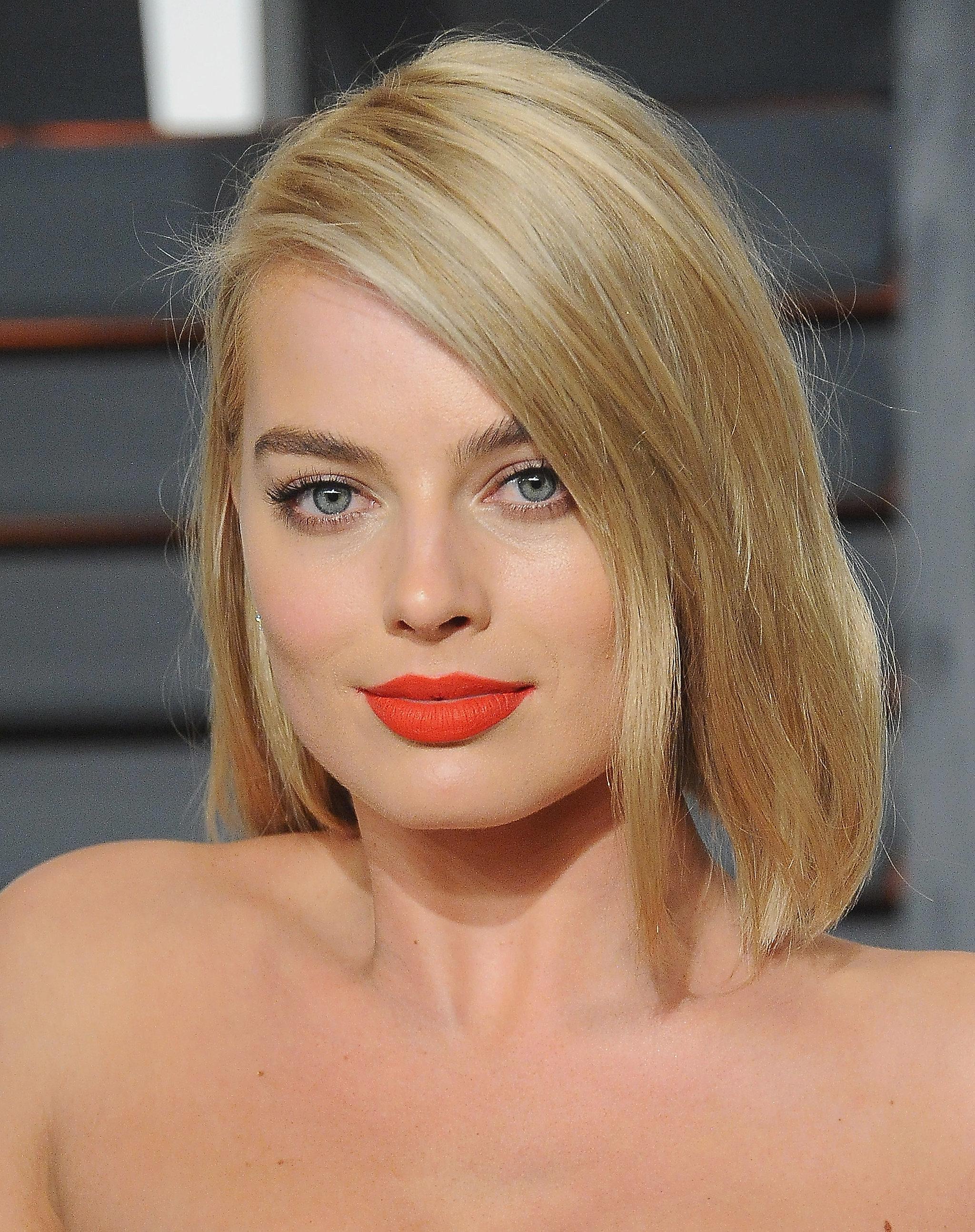 margot robbie 30 verschiedene blond t ne die ihr eurem fris r zeigen solltet popsugar. Black Bedroom Furniture Sets. Home Design Ideas