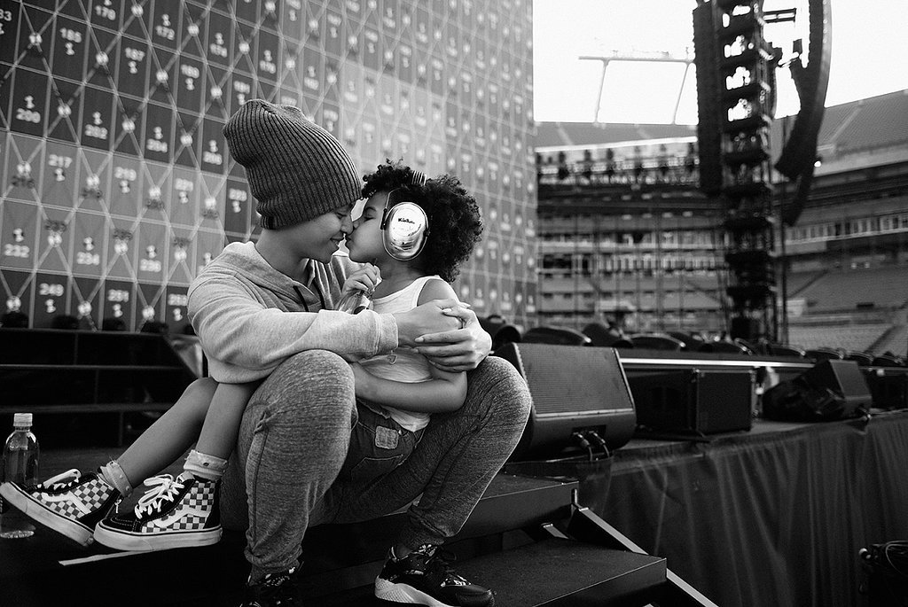 Beyoncé Nuzzles Blue Ivy Just Before the Start of the Formation Tour