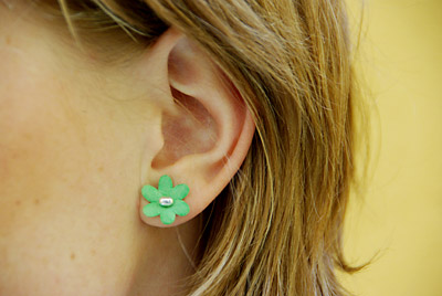 earrings smell these bloomin earrings smell really popsugar 4194