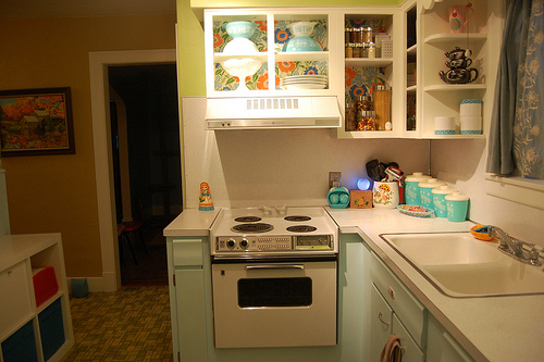 Before and after lauren 39 s retro modern kitchen popsugar for Modern 50s style kitchen