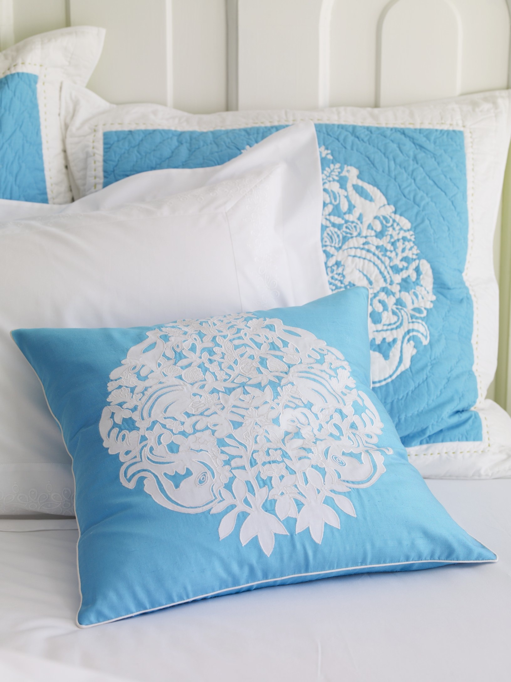 Lilly Pulitzer To Debut Bedding Line For Garnet Hill