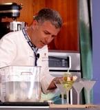 Recipe For Michael Chiarello's Tomato Water Martini 2009-06-29 13:24:56