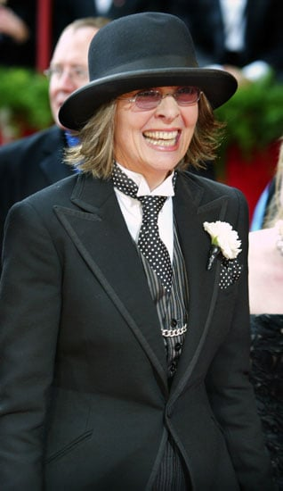 Wearing a signature hat at the 2004 Academy Awards.<br /> &lt;span style=&#039;font-size:10px !important;&#039;&gt;&lt;a href=&quot;http:/...