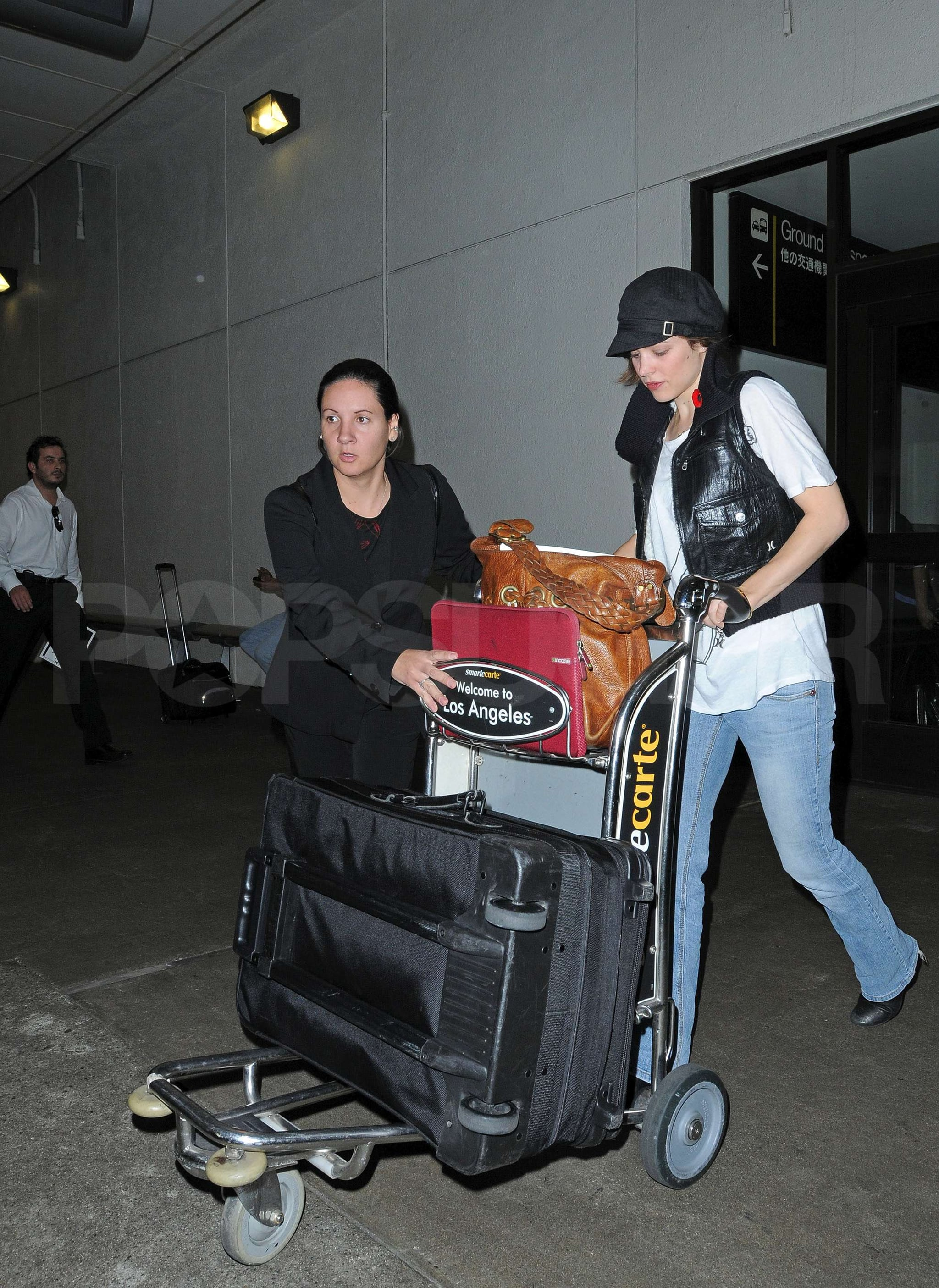 Photos of Rachel McAdams Arriving at LAX Recently Split ... Rachel Mcadams Split
