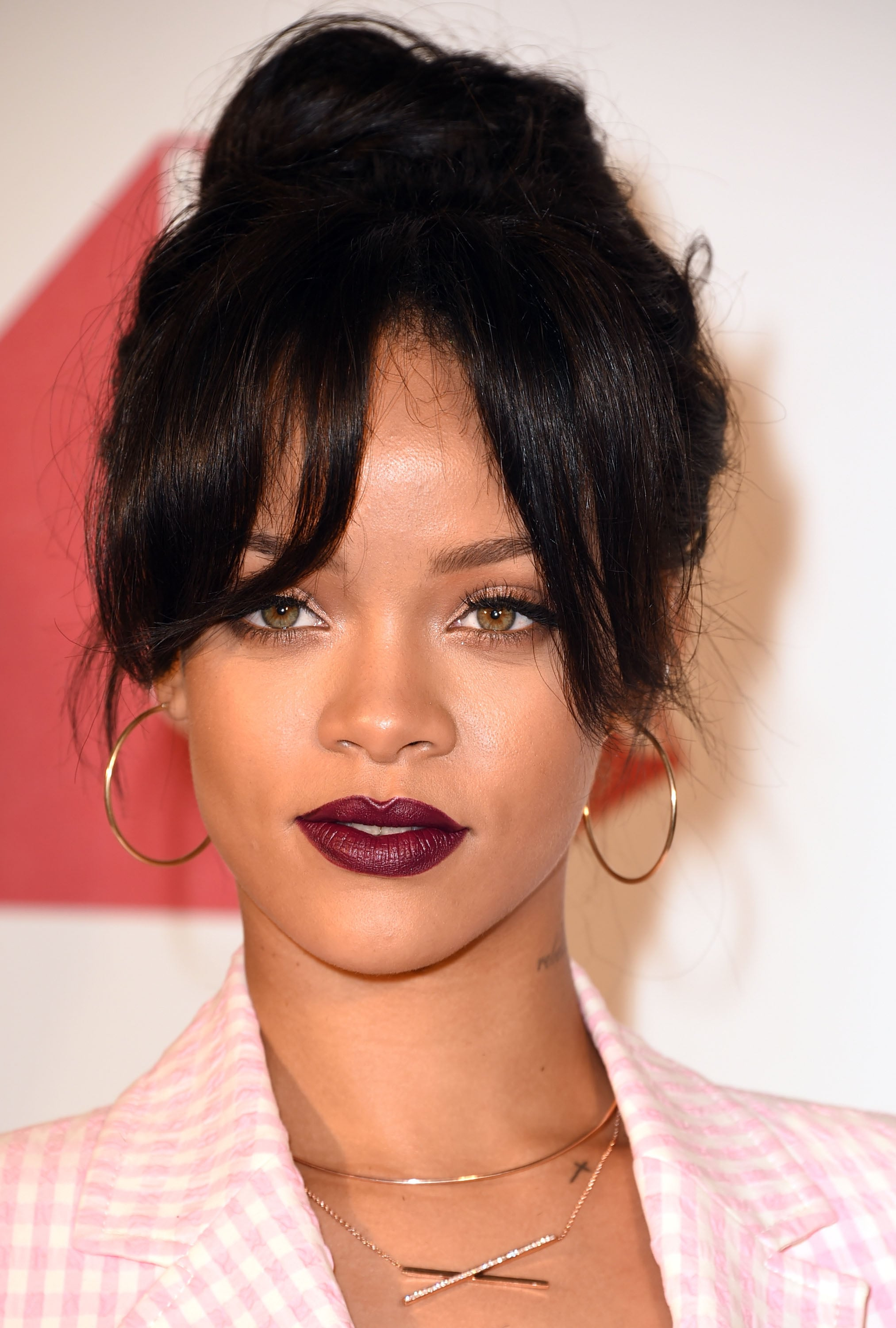 rihanna hair style rihanna aniston s bronzer trick will you 8903