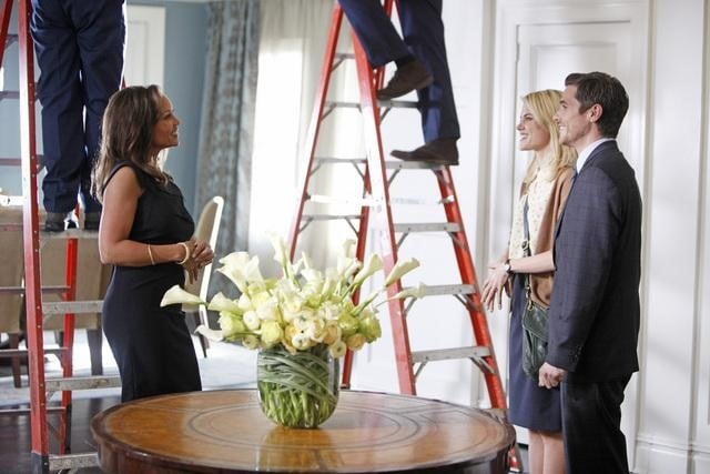 Vanessa Williams, Rachael Taylor, and Dave Annable on 666 Park Avenue.