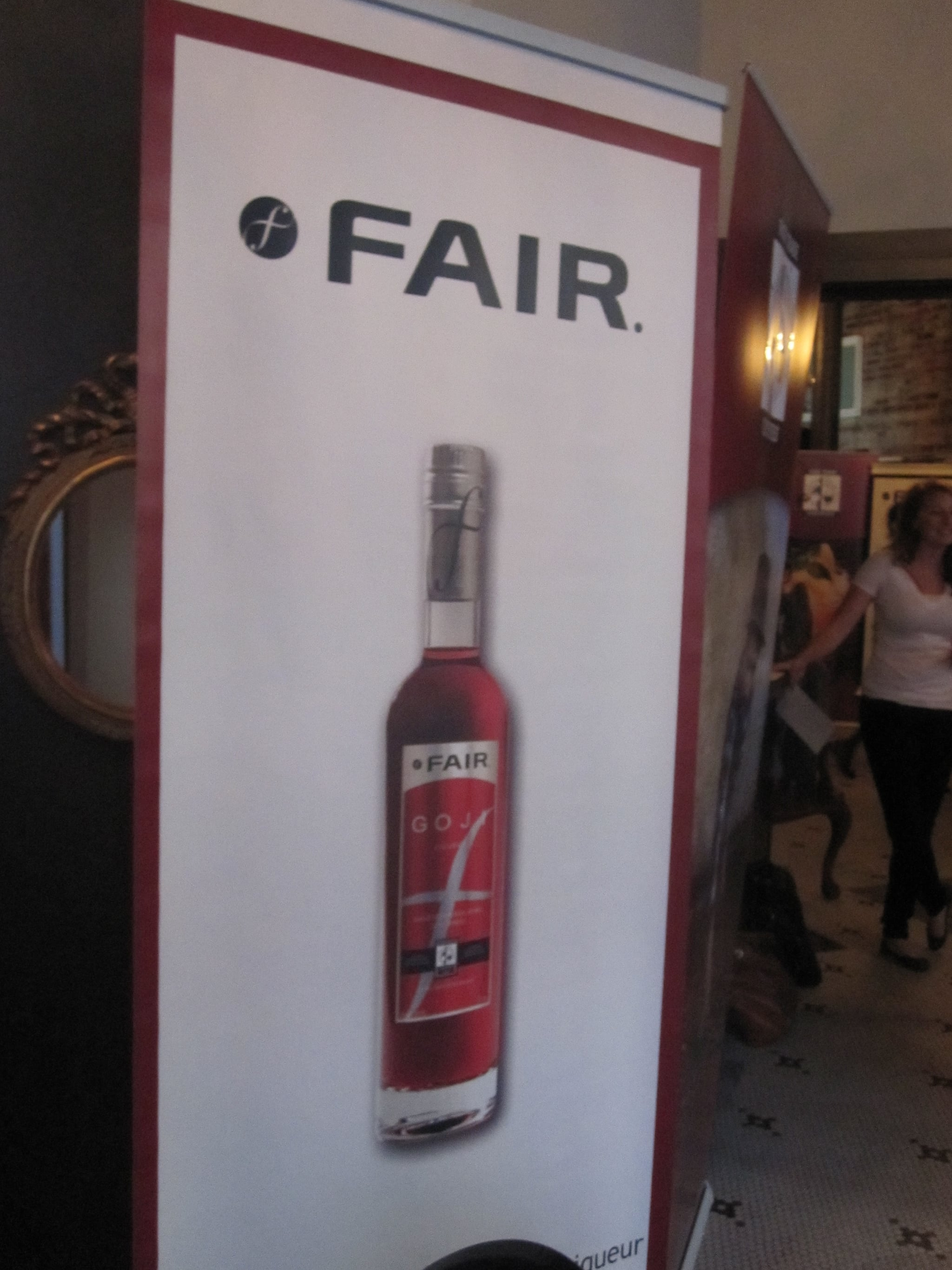 A poster of the goji liqueur, isn't it a beautiful red color?
