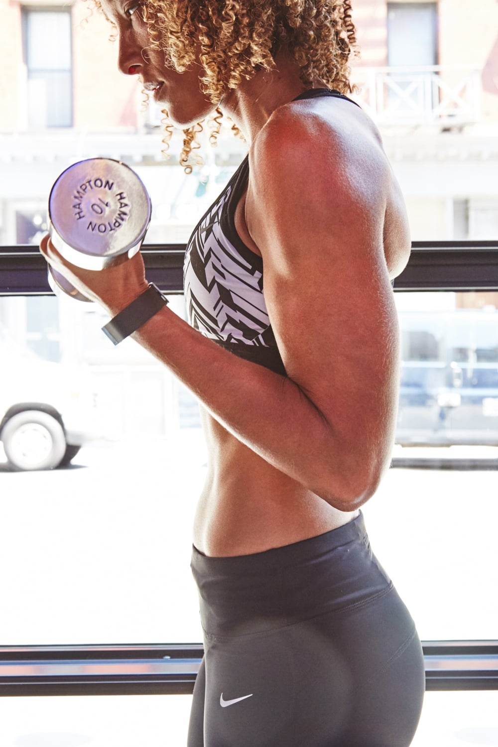PopsugarFitnessHealthy LivingHow Fitness Studios Affect GymsHow the Rise of Boutique Fitness Is Affecting the Business of Gyms February 2, 2016 by Michele Foley6.2K Shares Chat with us on Facebook Messenger. Learn what's trending across POPSUGAR.Working out used to be so straightforward: find a gym that's close to you, get in, get out, and get on with your day. Not so much anymore. This year saw an explosive rise in both boutique fitness and class-booking services such as ClassPass and FitReserve — a rise that many speculate is eating away at the bottom line of traditional big-box gyms. Image Source: POPSUGAR Photography / Benjamin StoneI, myself, am a gym dissenter — a fact that many of my friends find odd since I make a living as a fitness editor, and even outside of my job, I love to work out. Still, I haven't set foot in a traditional gym since 2014. Endless rows of top-of-the-line treadmills and fancy eucalyptus towel service still can't beat the feeling I get from working out at smaller studios. Am - 웹