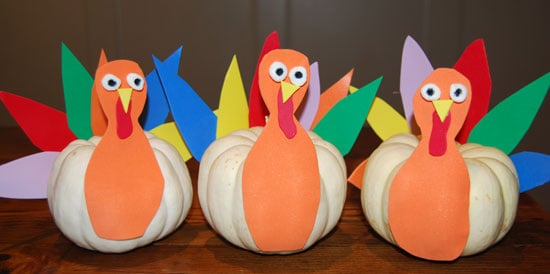 Cute kid friendly turkey decorations for thanksgiving for Turkey country arts and crafts