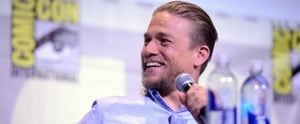 Charlie Hunnam Brings His Sexy Smirk to Comic-Con