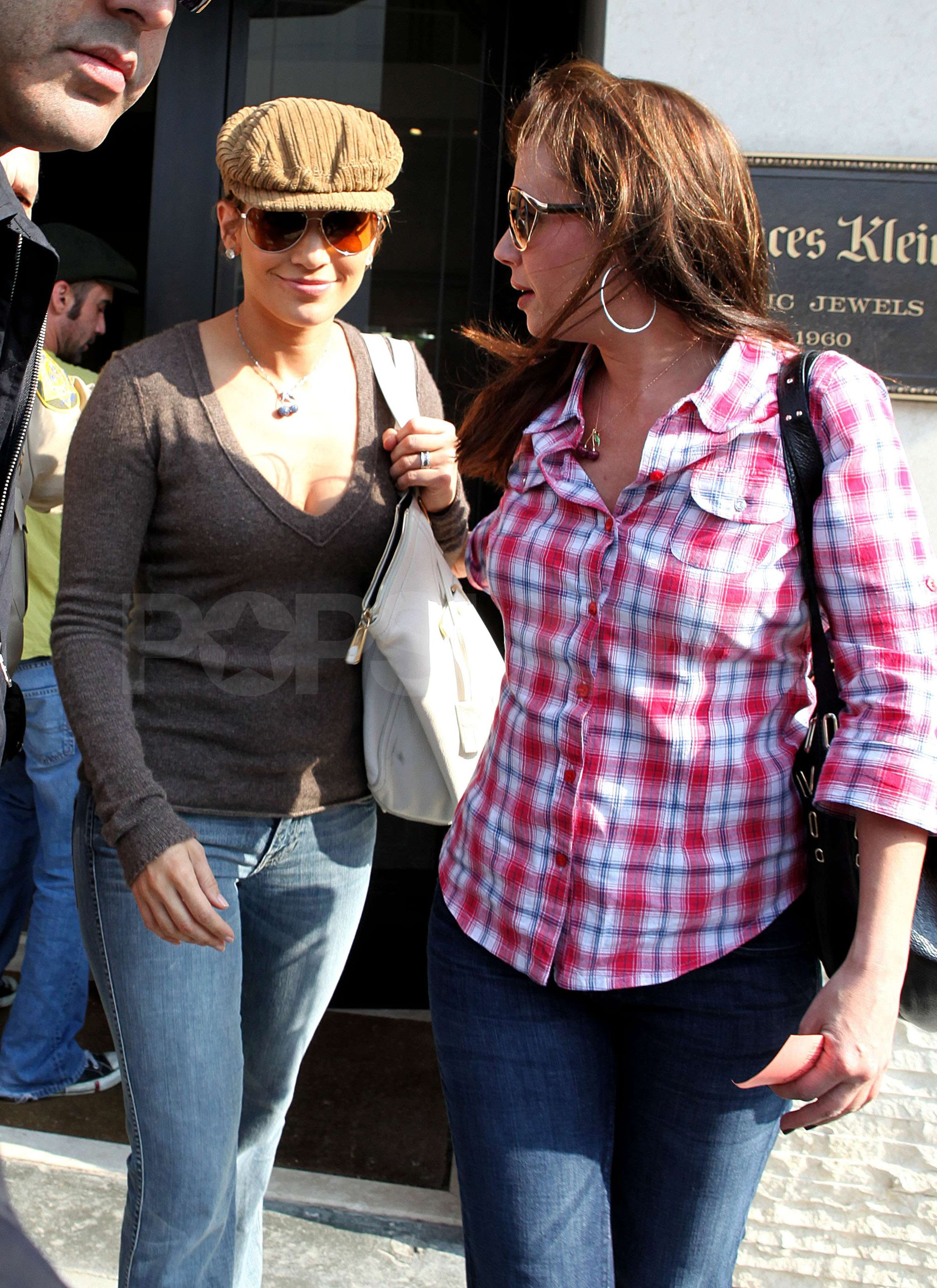 leah remini and jennifer lopez relationship history