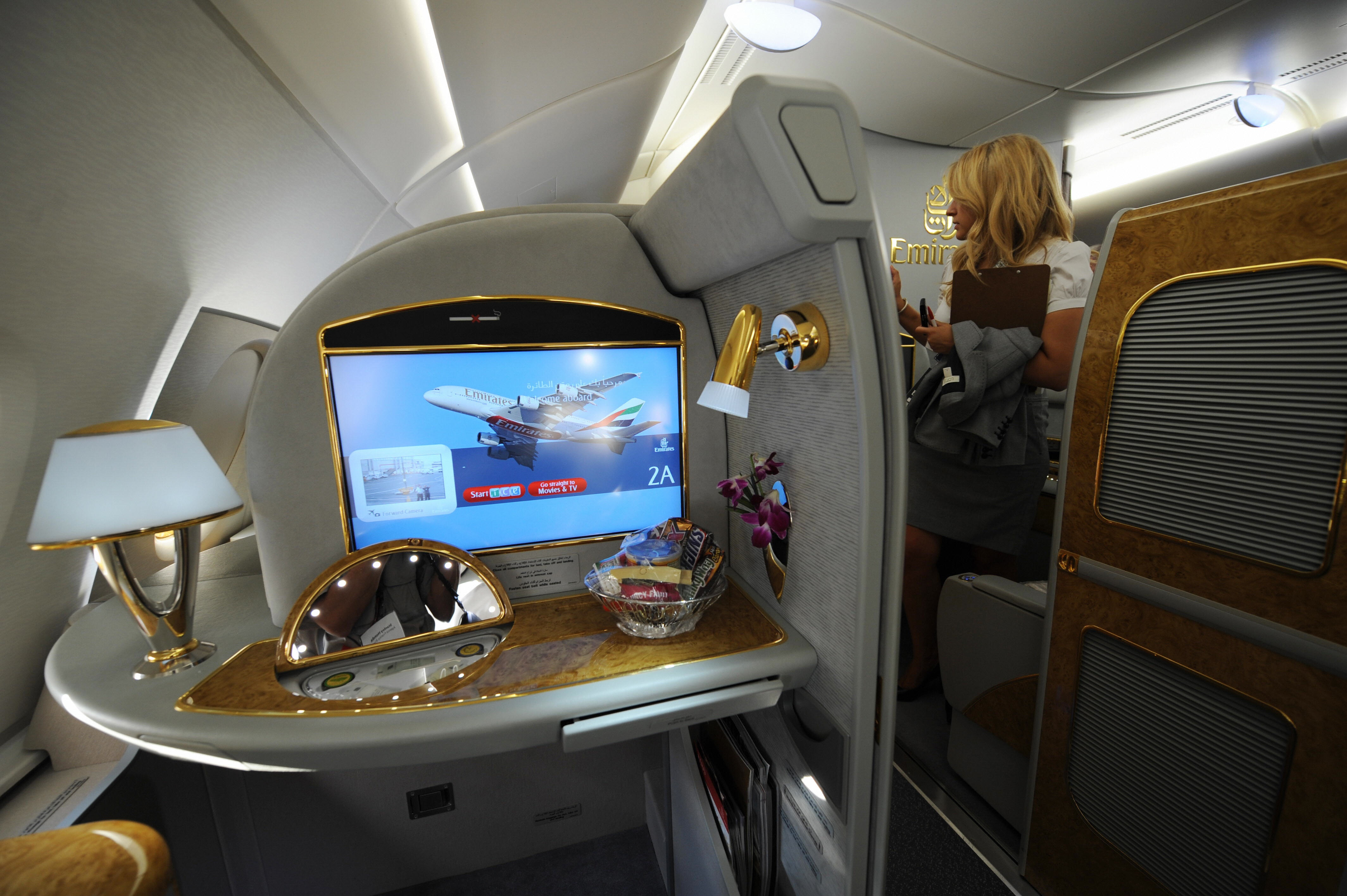 emirates airlines airbus a380 popsugar smart living. Black Bedroom Furniture Sets. Home Design Ideas