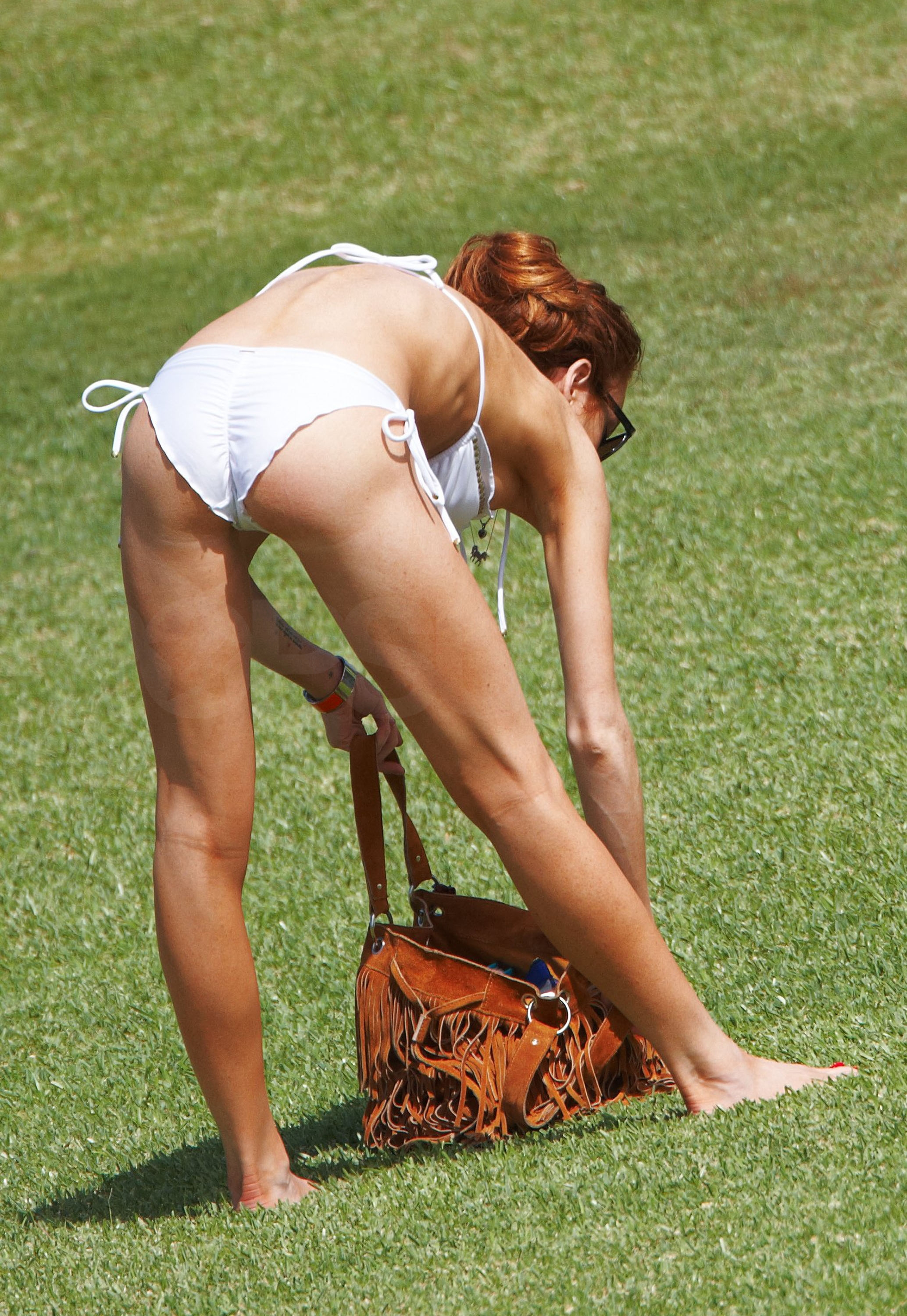 Photos of Lindsay Lohan in a Bikini in Hawaii | POPSUGAR Celebrity