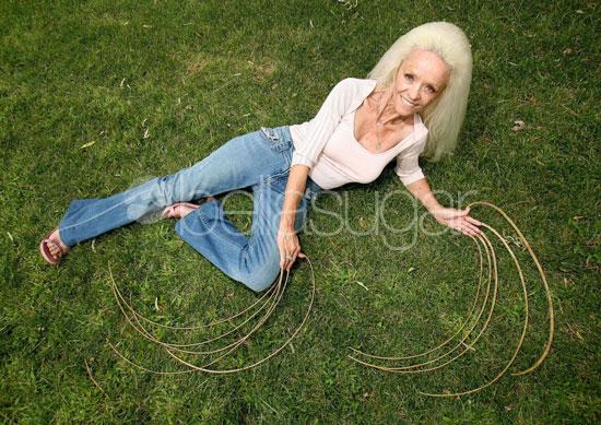 Woman With Longest Fingernails Car Accident
